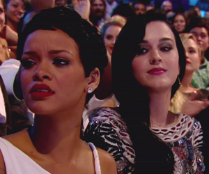 Katy Perry gives Rihanna the ol' side-eye.